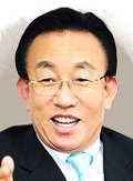 Gyeongsangbuk-do Governor Kwan-Yong Kim