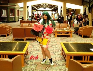 Deb posed for us with her Frisbee and messenger bag in the convention lobby. Lookin' good, Deb.