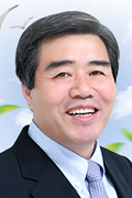 Boryeong Mayor Dong-Il Kim
