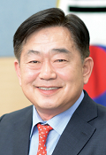 Suncheon Mayor Choong-Hoon Cho