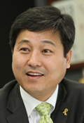 Seoul Seongbuk District Mayor Young-Bae Kim