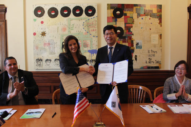 Photo: Oakland North. Oakland Mayor Libby Schaaf (left) shakes her hands with Pyeongtaek Mayor Jae-Kwang Kong at the 'Friendship Relation City Signing Ceremony' held at City Hall.